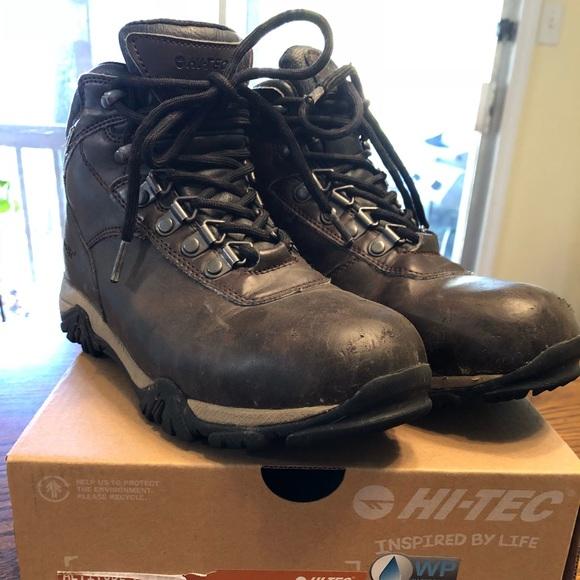 12077658769 Hi-Tec Altitude V Jr hiking boots, youth size 4